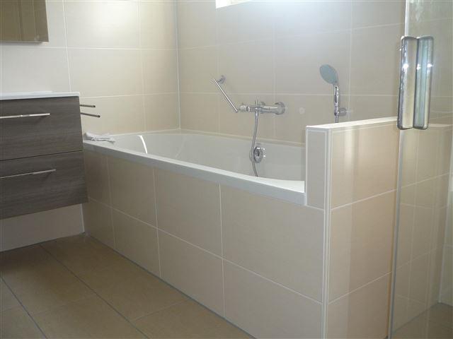 Badkamer Laten Plaatsen : Badkamer bouw